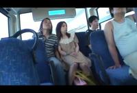 ☆買い物帰りのバスの中で…